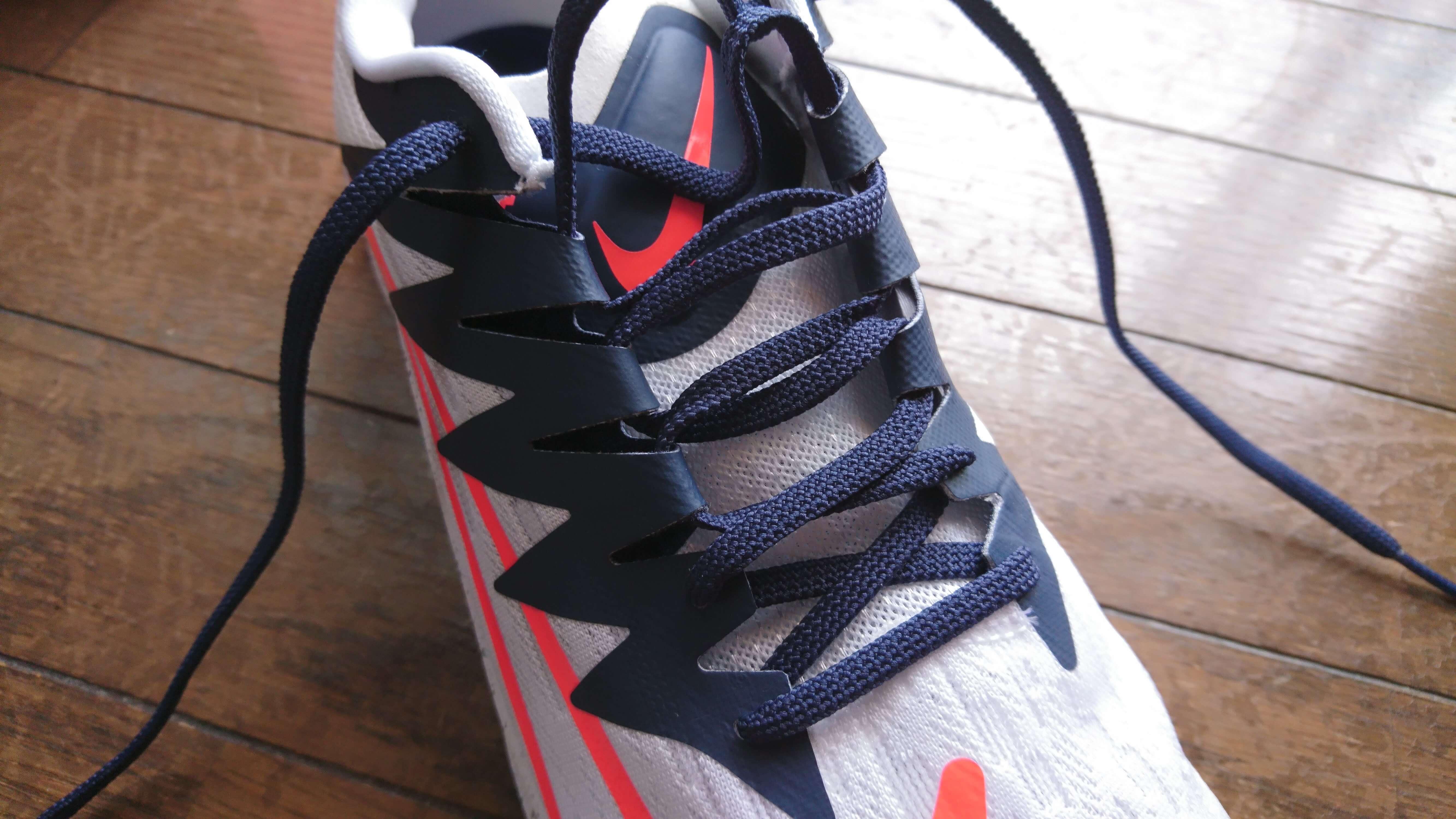 ナイキ ズームライバルフライ 靴紐